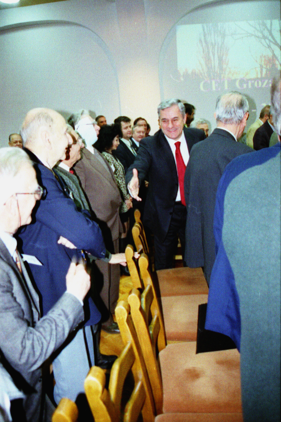 Foto 3 -19.12.2002- Centenar CET Grozavesti (2)