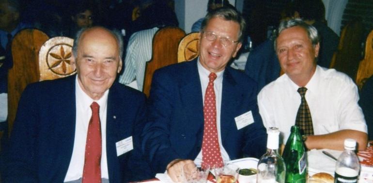 septembrie 2000- FOREN